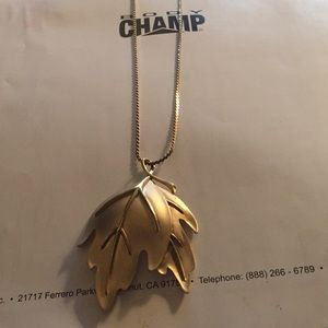 Jewelry - Long gold leaf necklace